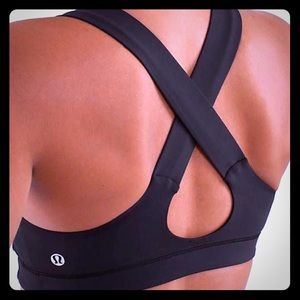 Lululemon Stuff your bra sz 4